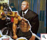 Раскачались: через огромные мышцы 29% бодибилдеров не могут купить одежду