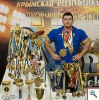 Чемпион мира по пауэрлифтингу Николай Сергеев из Симферополя поделился секретами успеха