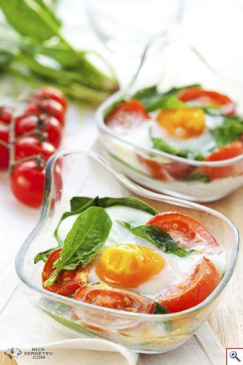 Яйца запеченные с овощами по-итальянски
